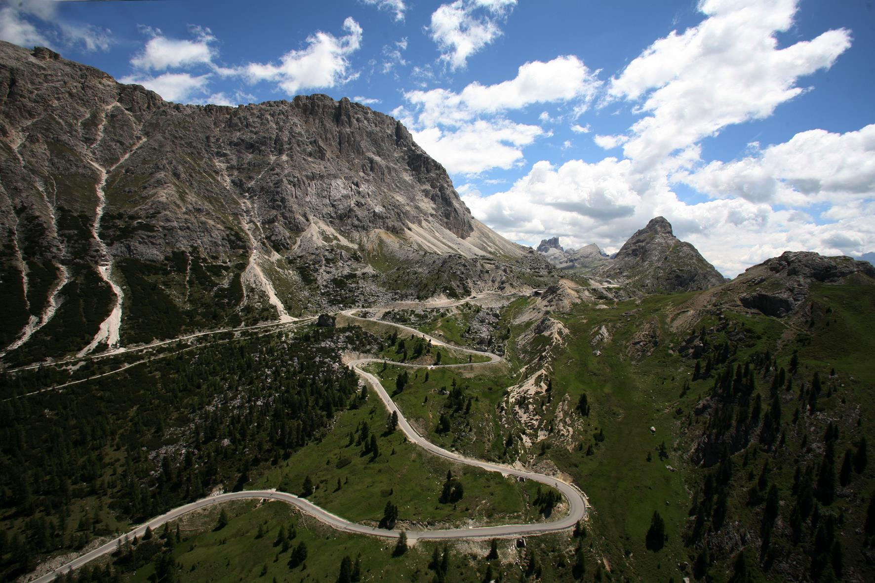From Passo Valparola to Pralongiá and down to San Cassiano