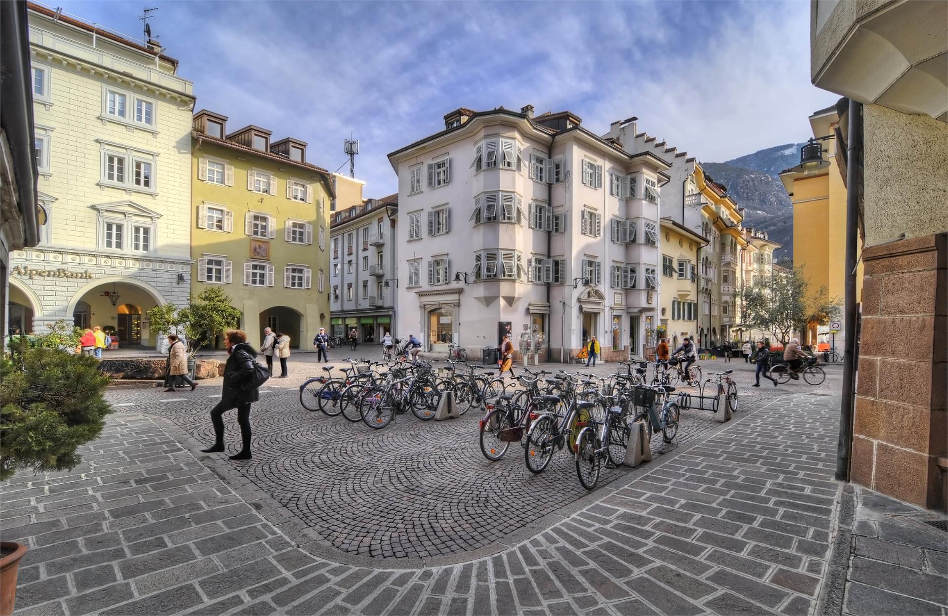 Piazza del Grano a Bolzano/Kornplatz in Bozen