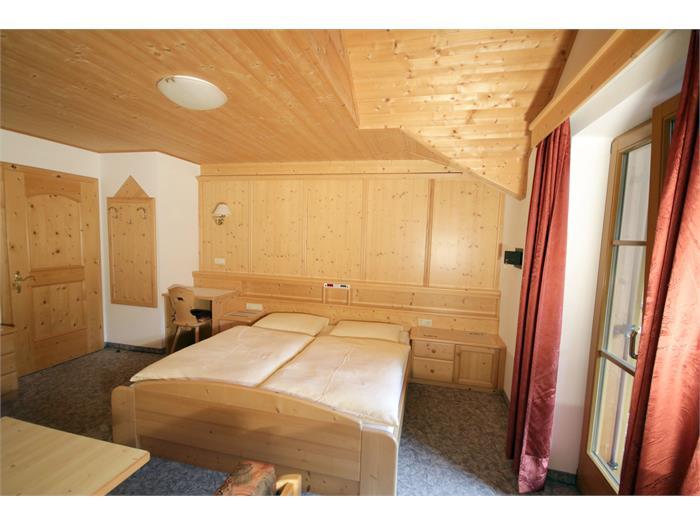 APP 2 - Room 2
