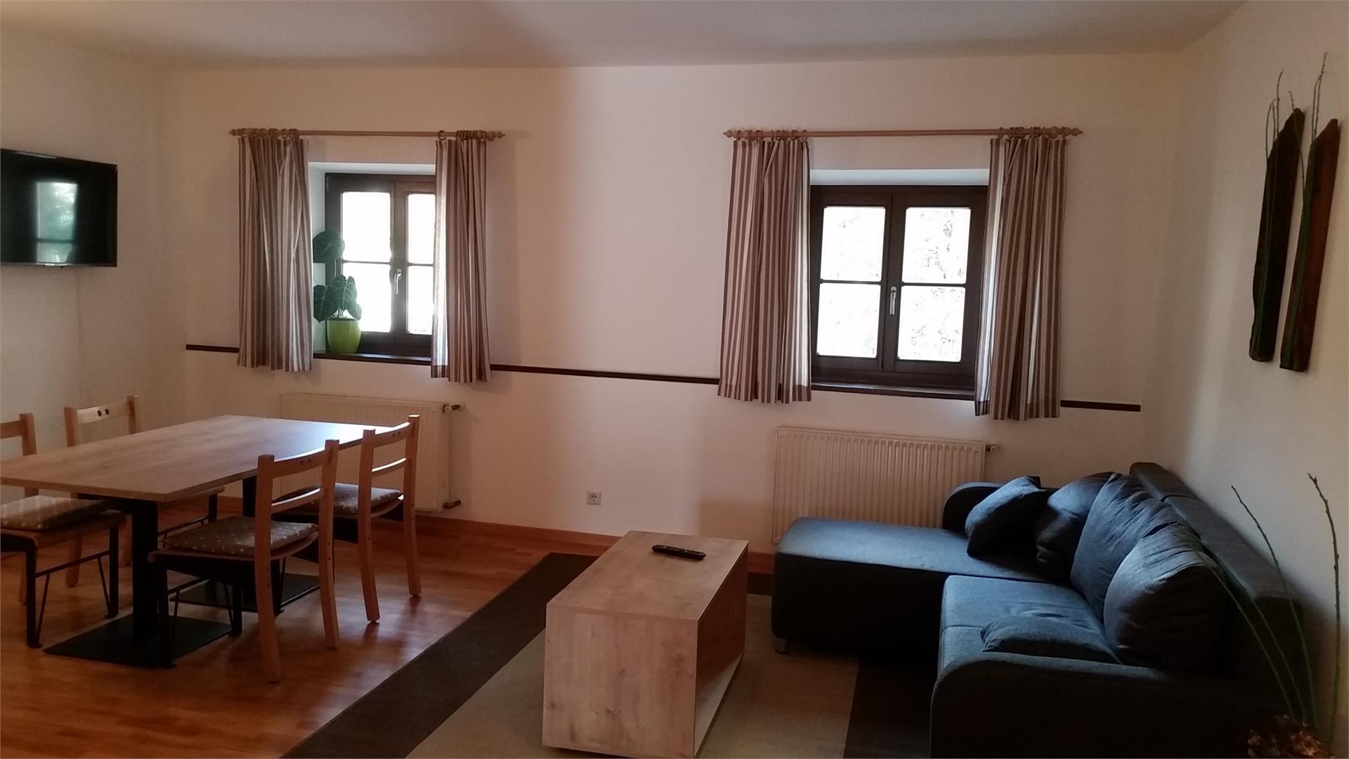 cucina abitabile appartamento con due camere separate
