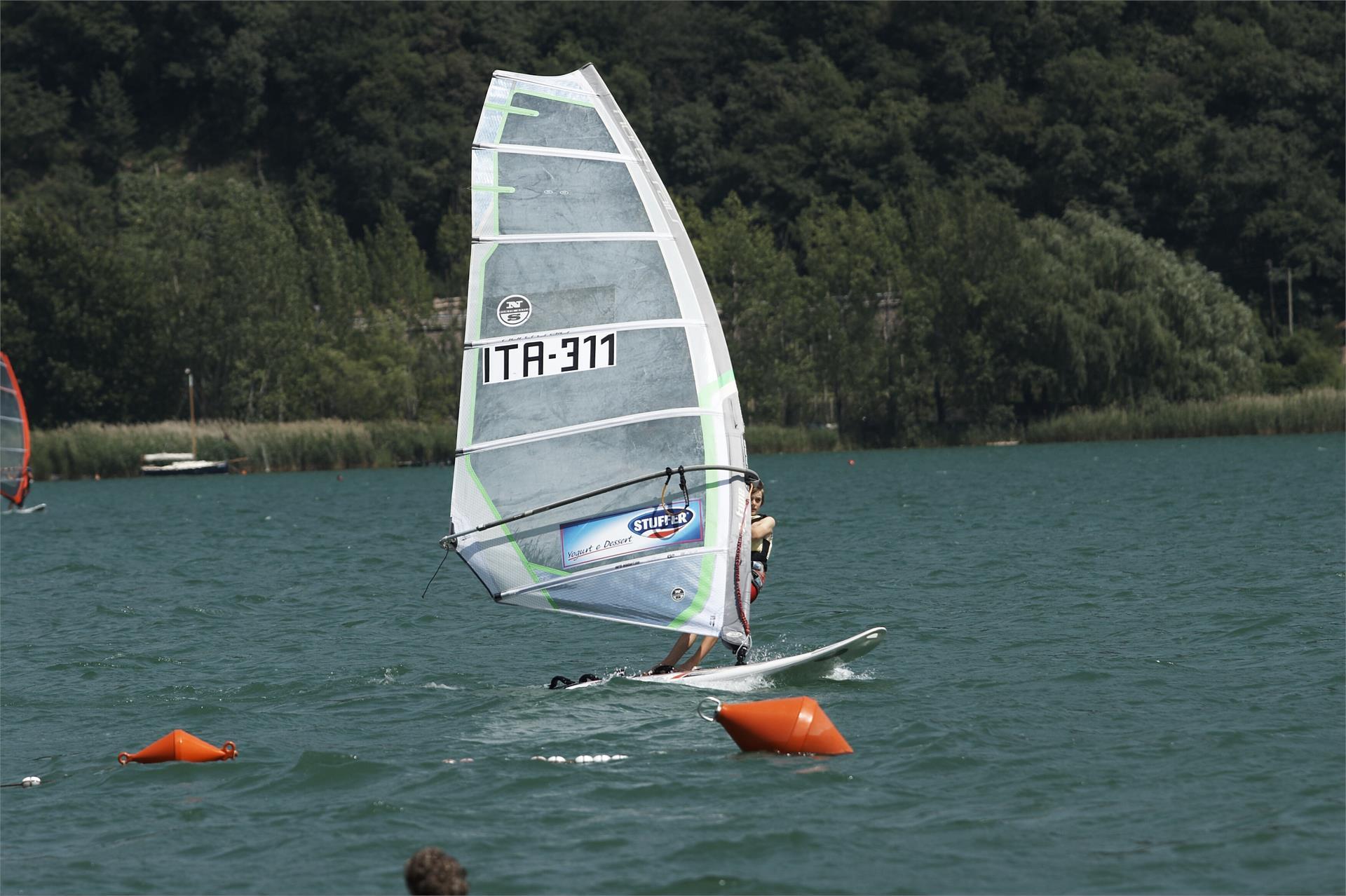 Wind surfing nel Lago di Caldaro