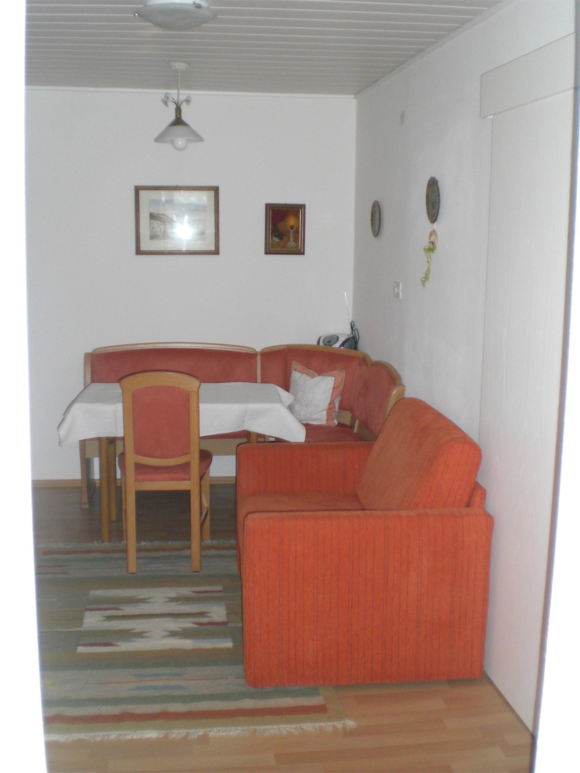 Salotto di uno dei due appartamenti, arredati in modo accogliente e piacevole per 2 persone.