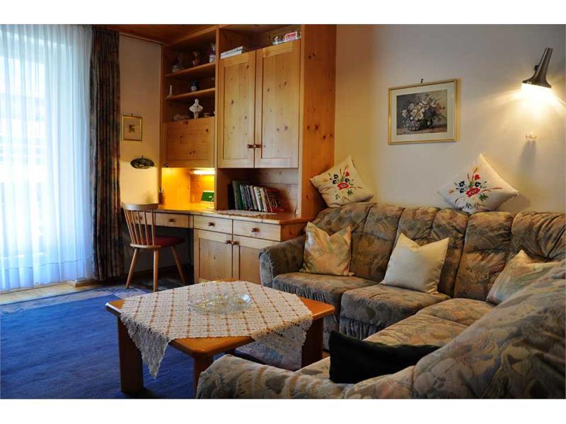 Haus Monika - Ferienwohnung 1. Stock - Wohnzimmer