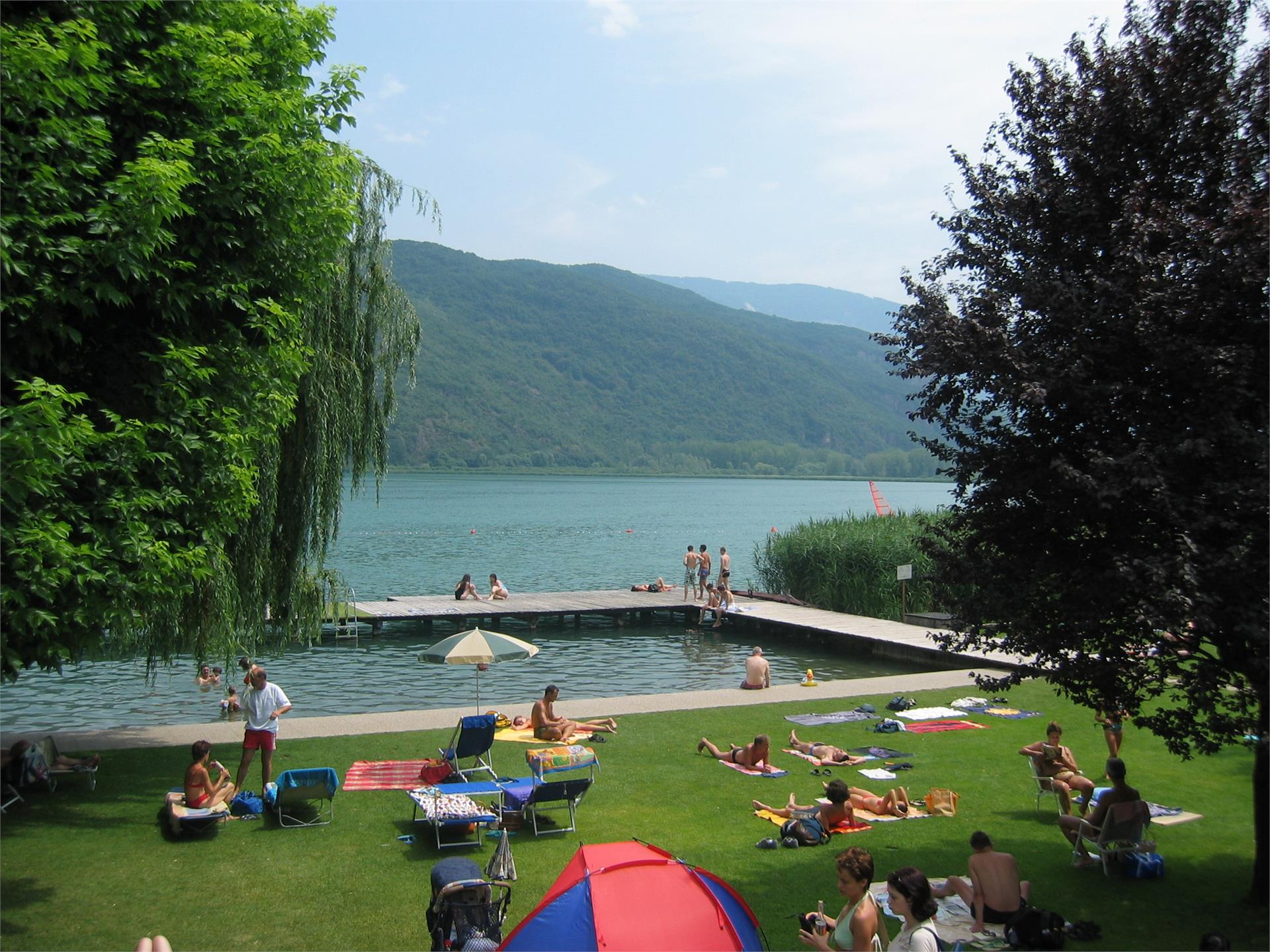 Swimming pool with access to the lake Gretl am See