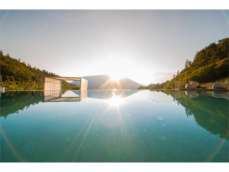 Infinity-outdoor- pool