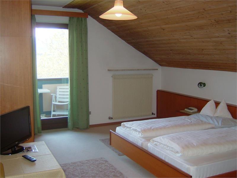 Zimmer B