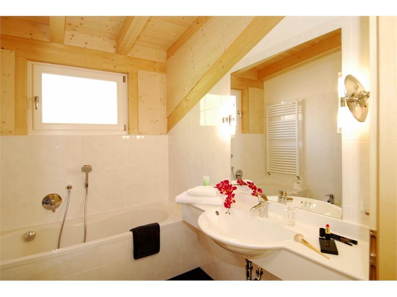 Bathroom App. Swiss pine