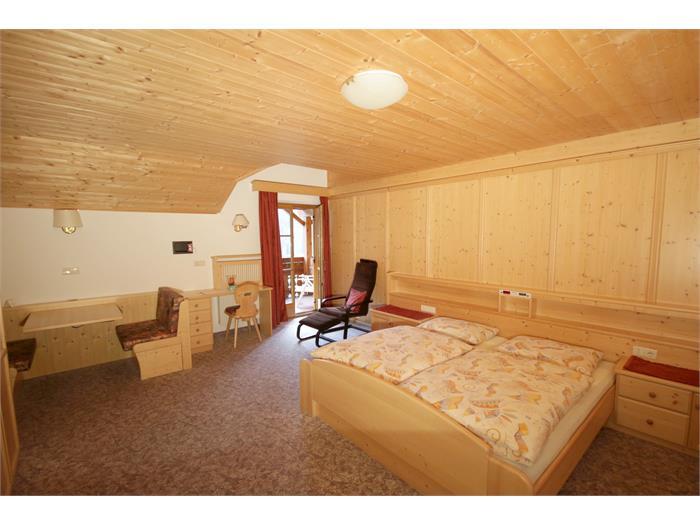 APP 2 - Room