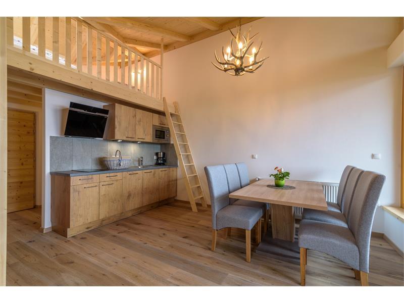 Küche mit Wohnzimmer - Eggerhof in Vöran