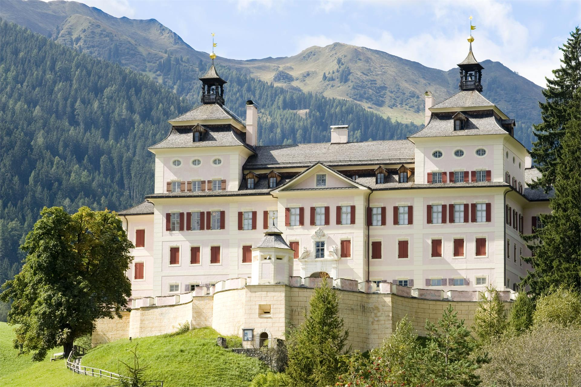 Wolfsthurn Castle - South Tyrolean Museum of Hunting and Fishing