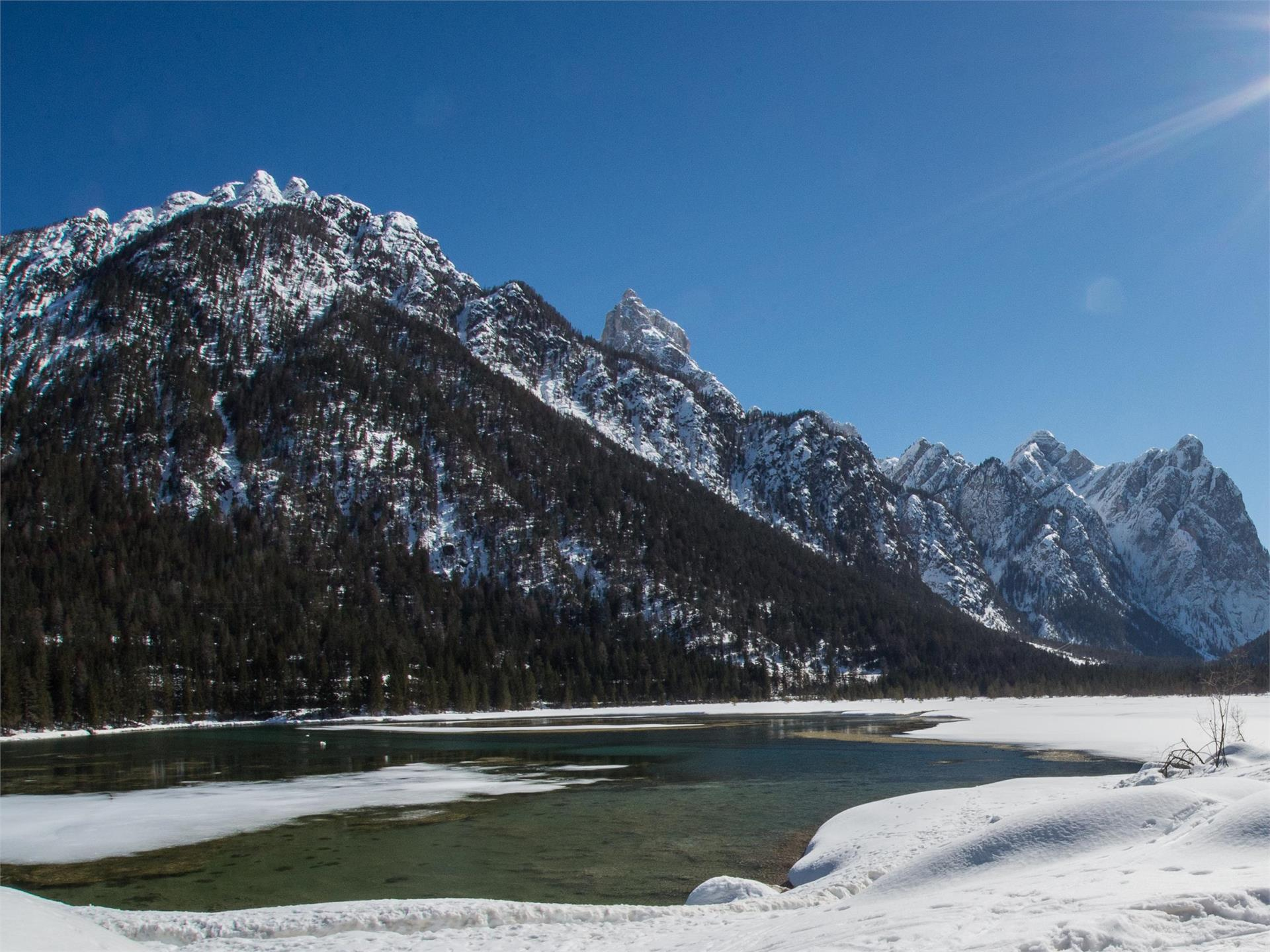 Winter walking tour: Dobbiaco/Toblach - Lake of Dobbiaco/Toblach