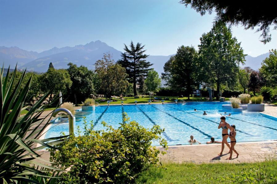 Outdoor pool Algund