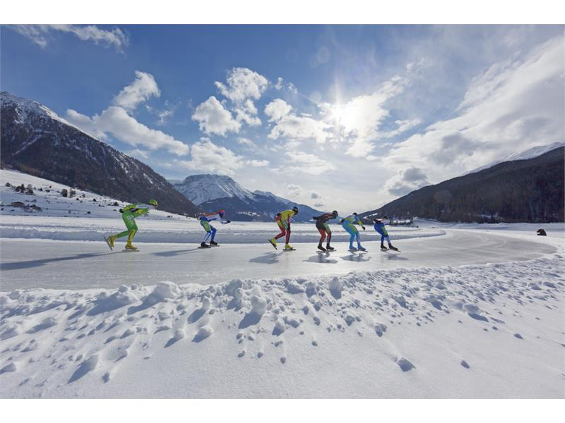 The largest natural ice rink in South Tyrol