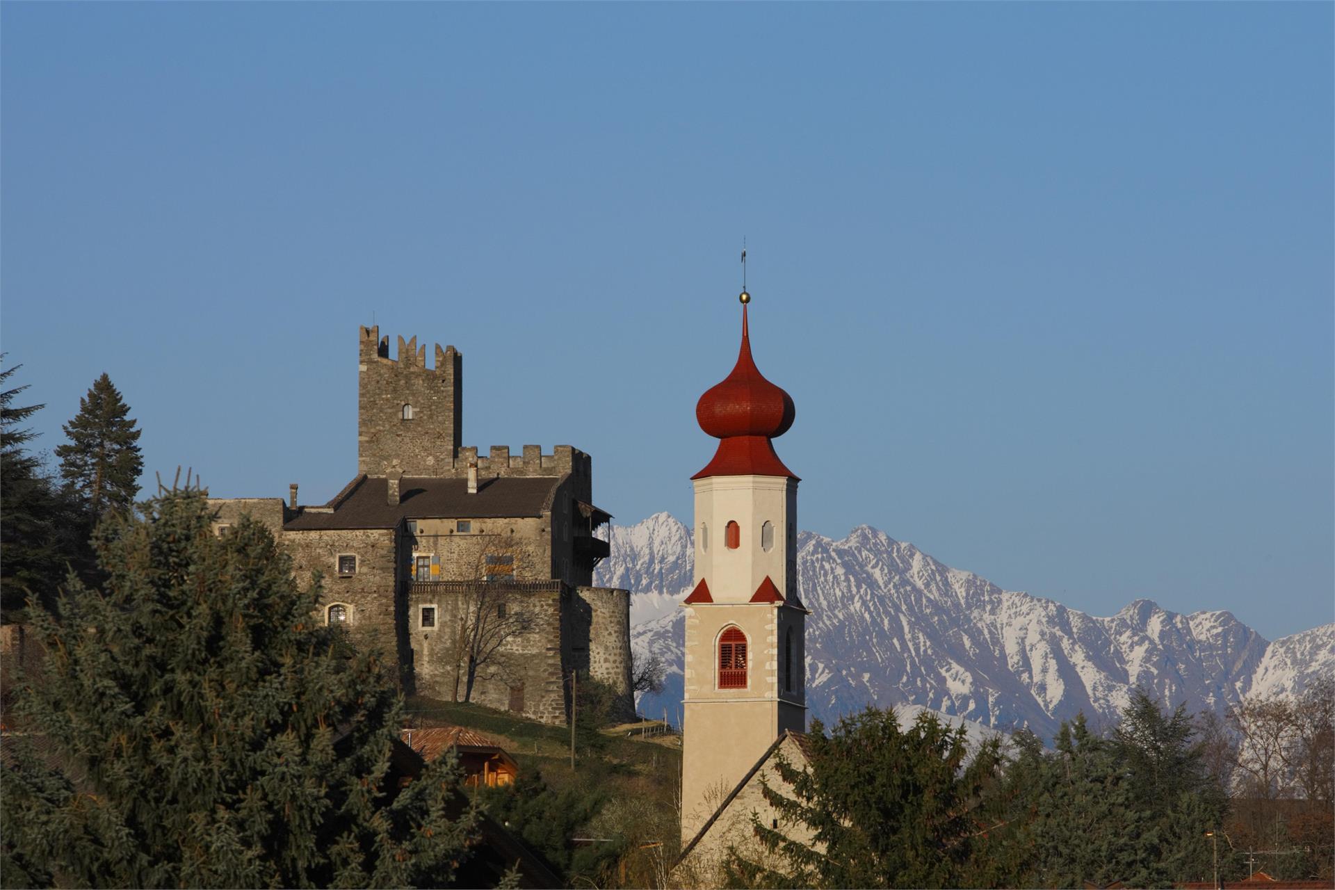 Schloss Hochnaturns