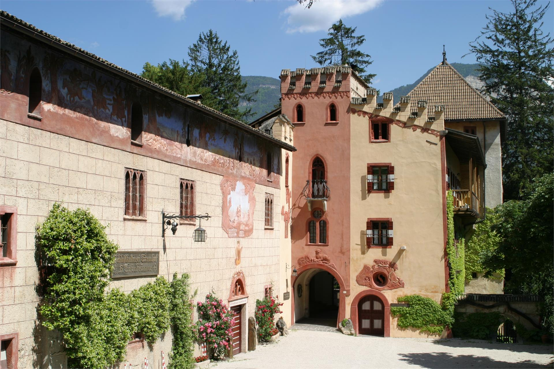 Tiefenbrunner - Schlosskellerei Turmhof