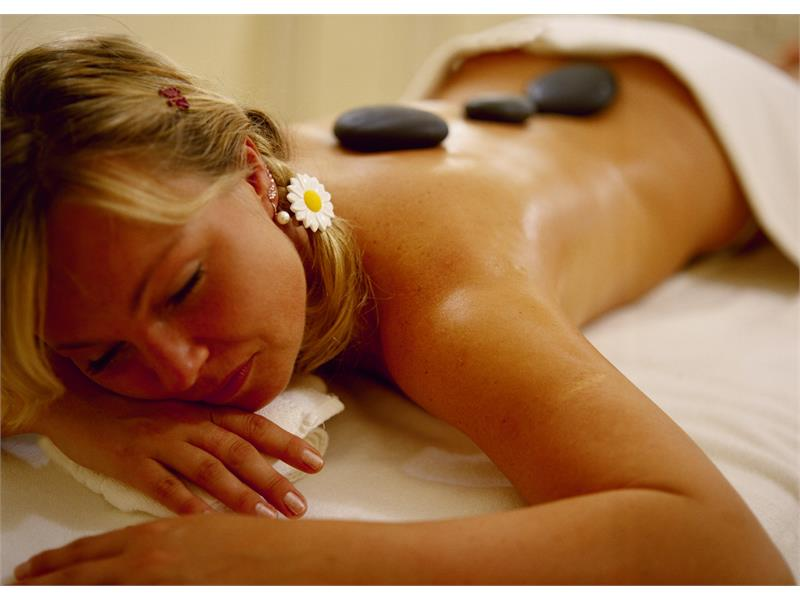 massage hot stones