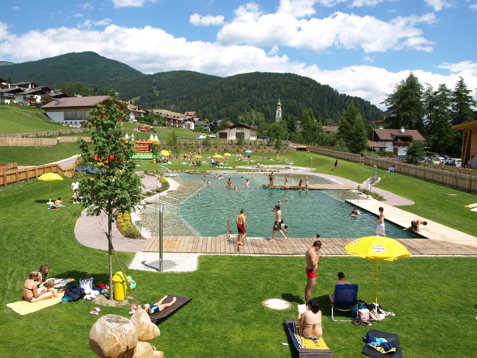 Natural bathing lake Dobbiaco/Toblach