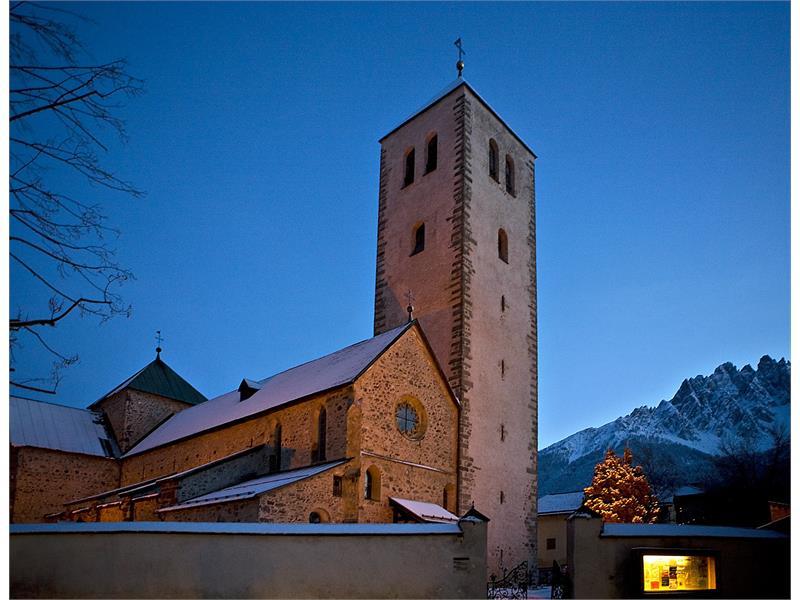 Die Romanische Stiftskirche Innichen