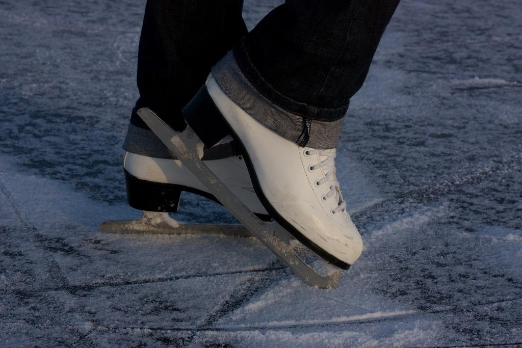 Ice skating Collepietra