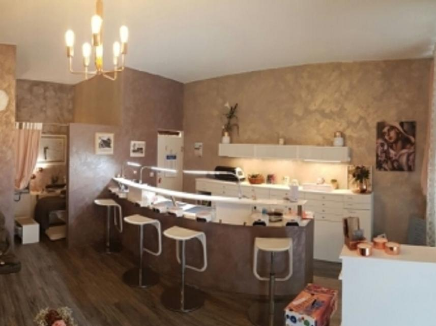 Nail & Beauty Cafè