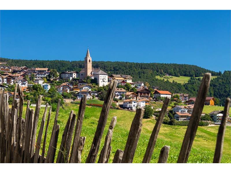 Jenesien Dorf