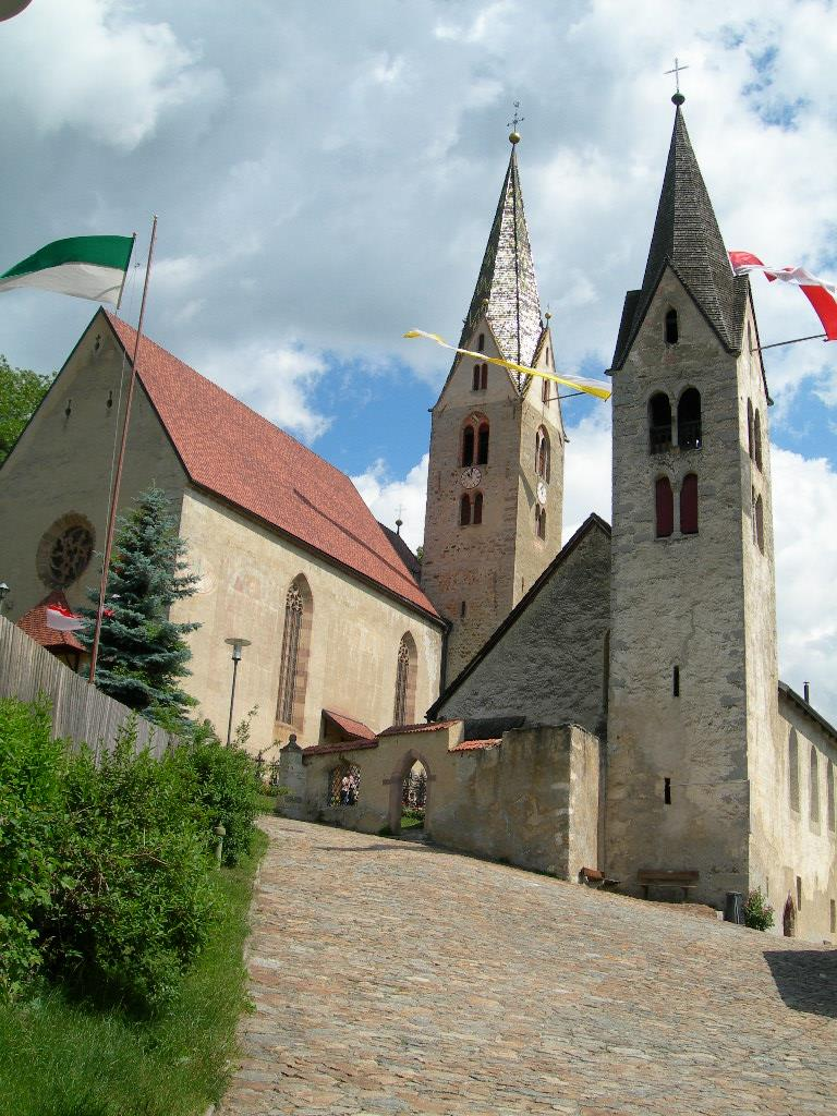 Parish church to the St. Stephen in Villandro