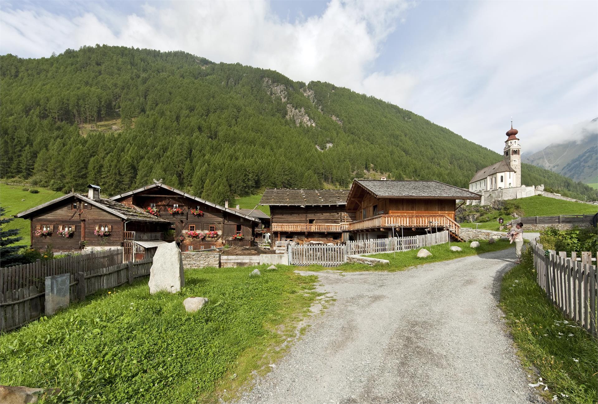 Oberniederhof historical and organic farm