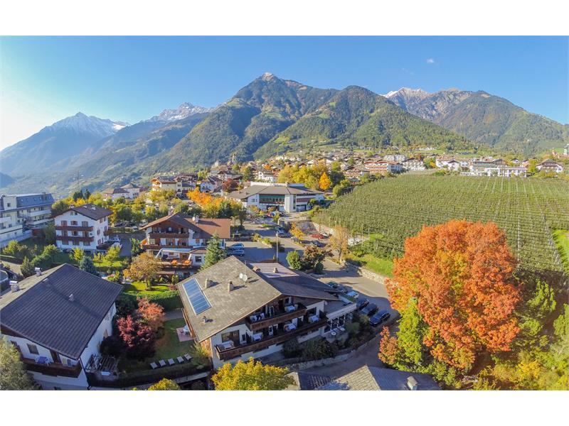 Dorf Tirol in Südtirol
