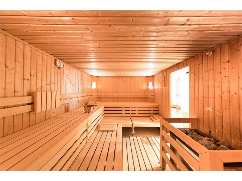 Sauna finlandese spaziosa
