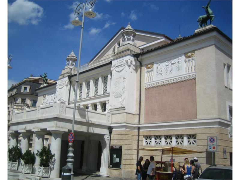 Stadttheater Puccini