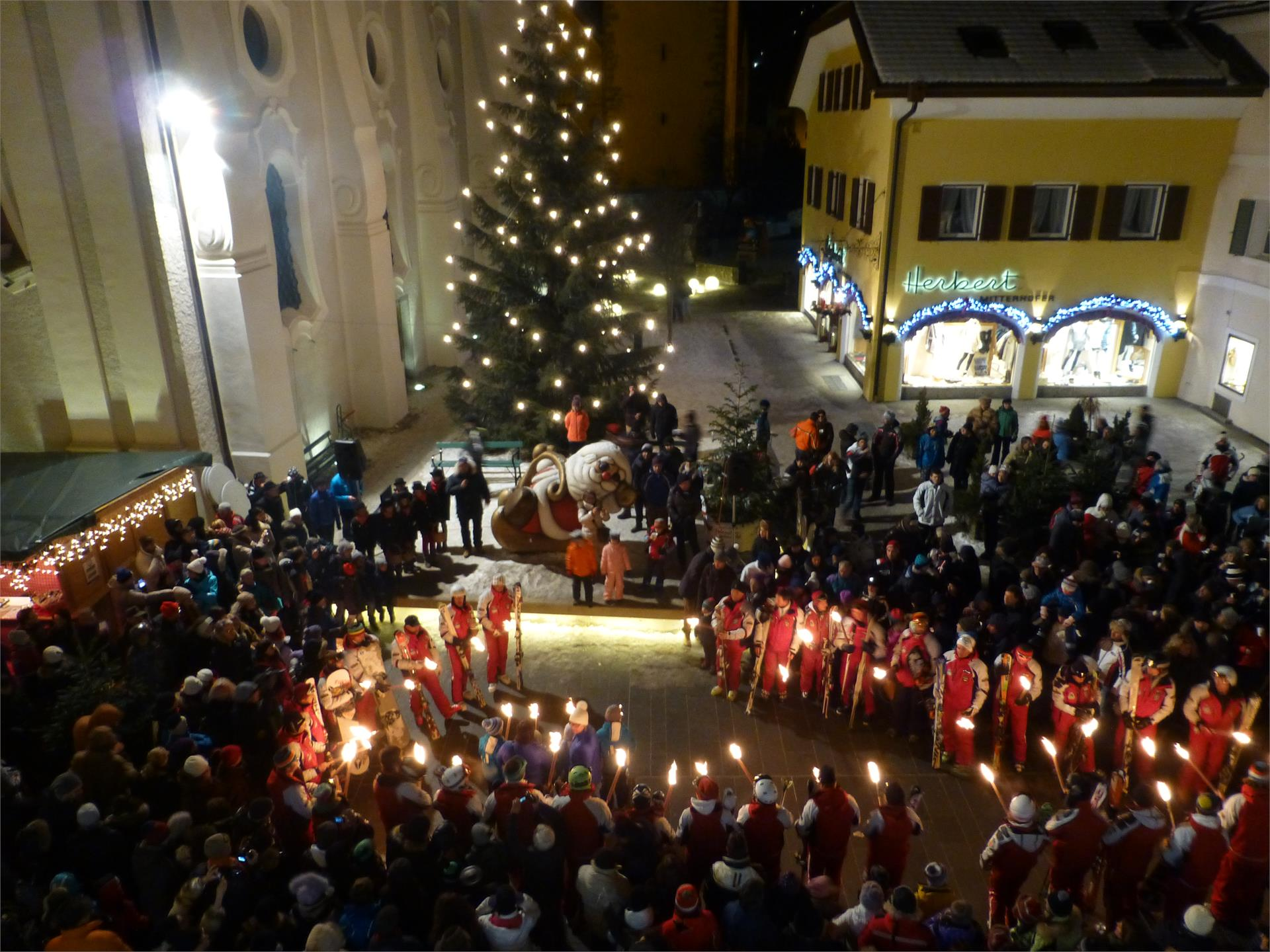 New Year celebration with skishow and torchlight procession