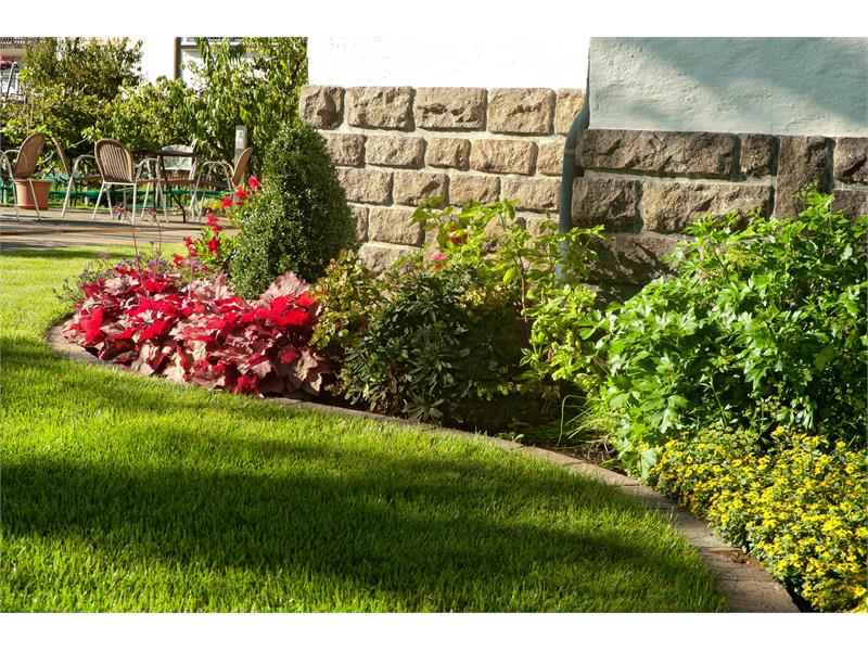 Haus Luise, Nalles, giardino
