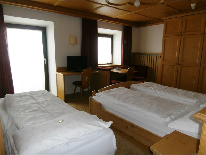 2-4 persons double room with 1-2 extra beds