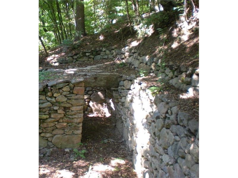 """Prähistorische Siedlungsstätte """"Burgstall"""" in Riffian"""