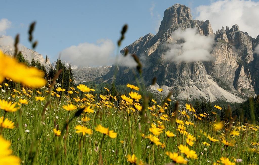 Besteigung des Sassongher Bergs