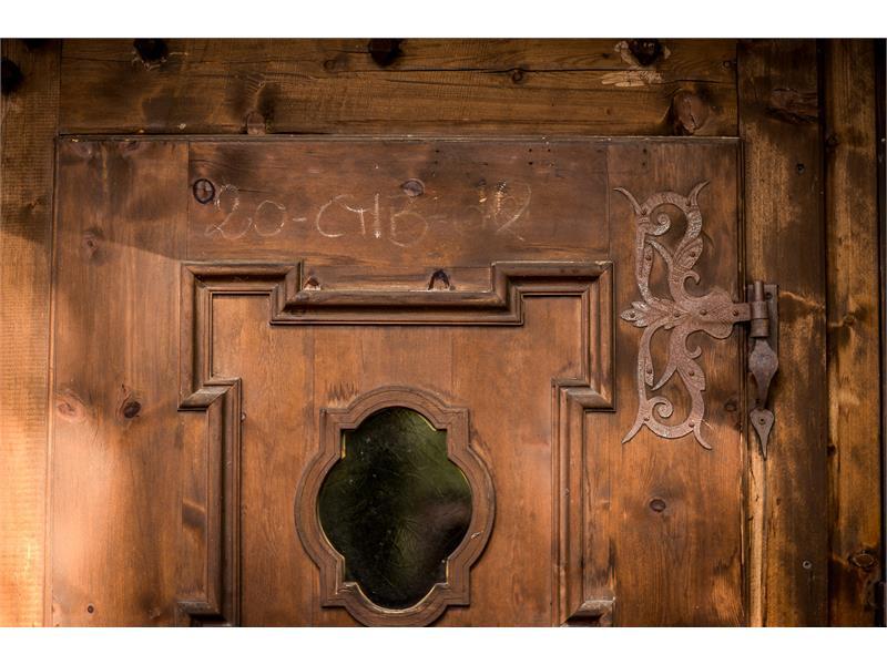 die Eingangstür, Südtiroler Handwerk