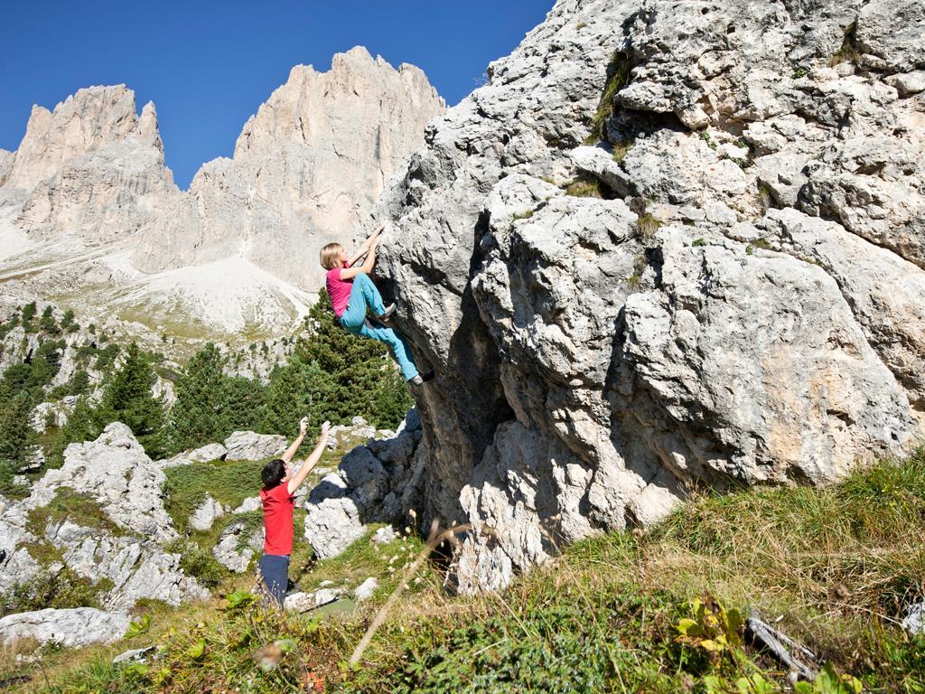 Natural Climbing Wall Stone City