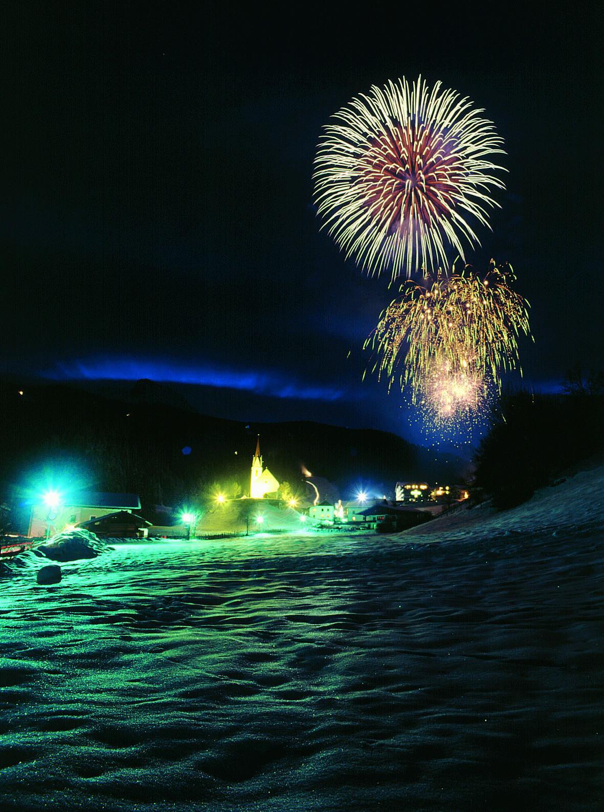 Neujahrshow mit Feuerwerk