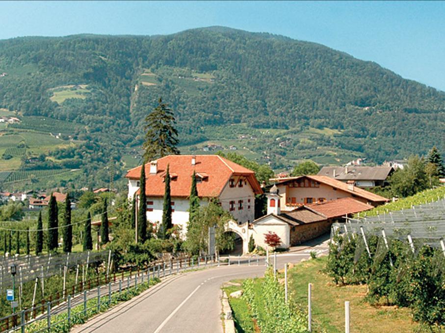 Bauernhof Ansitz Mair im Korn