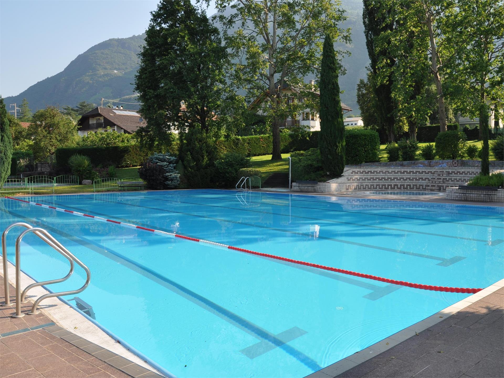 Open-air swimming-pool Terlano